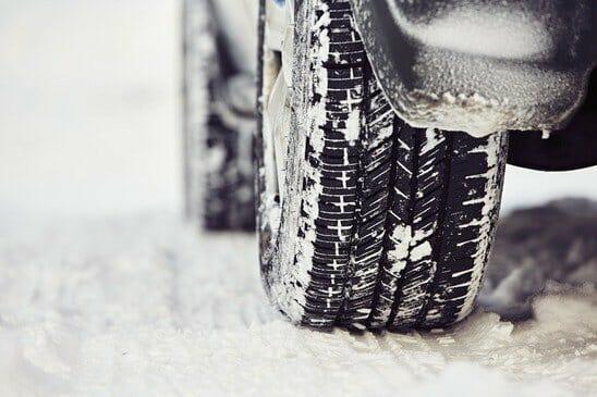 Winterreifen auf verschneitem Untergrund - Sei-Sicherer.de