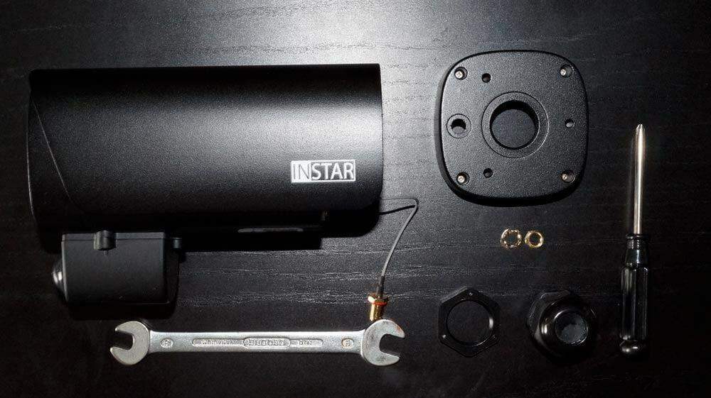 Instar IN-9008 aufgeschraubt und zerlegt