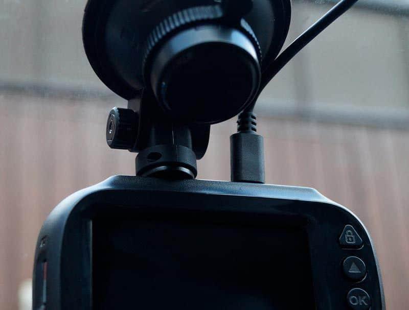 Philips-Gosure-ADR820-Fahrzeugkamera-Angebracht-im-Auto
