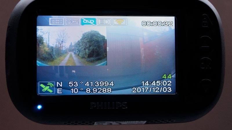 Rueckfahrkamera-eingebettet-in-frontkamera-bild