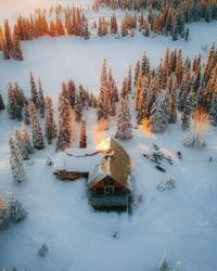 haus-von-oben-schnee