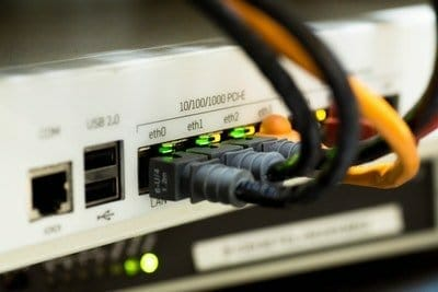 Internet-Anbindung-Per-Router