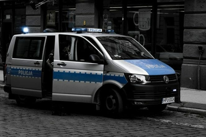 grosses-polizeiauto